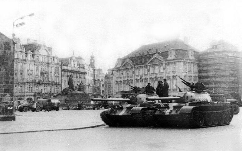 Tour del Comunismo y Segunda Guerra Mundial