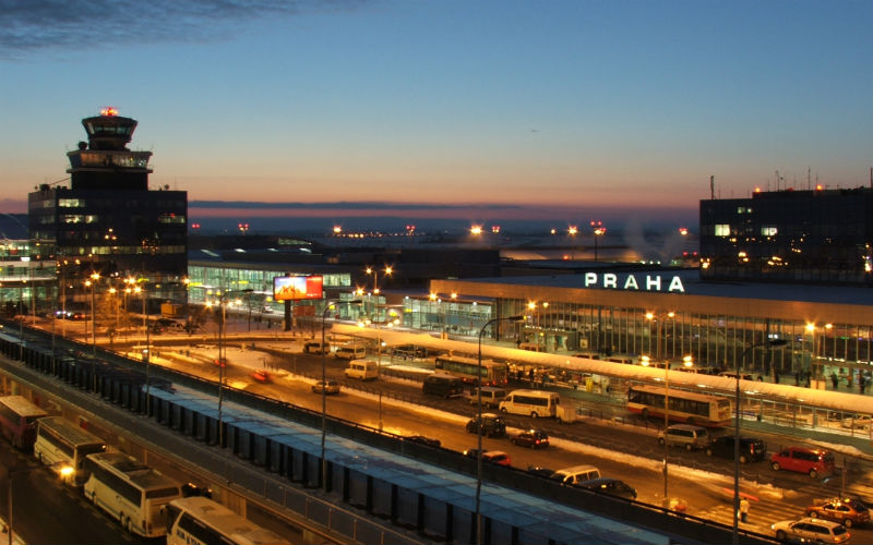 Como ir del aeropuerto de Praga al centro